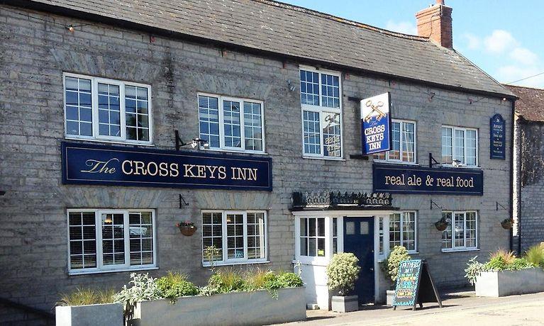 HOTEL CROSS KEYS INN, EAST LYDFORD - Book 5-Star Accommodation from £123